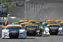 LR AGT Race 1 Start 2 Clipsal