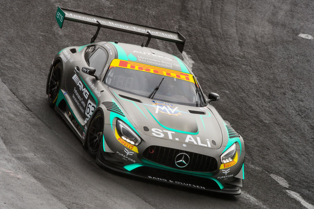 Hackett/Storey goes fastest in opening practice