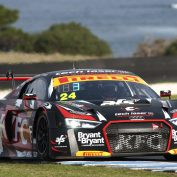 Tony Bates and John Martin join forces at Phillip Island