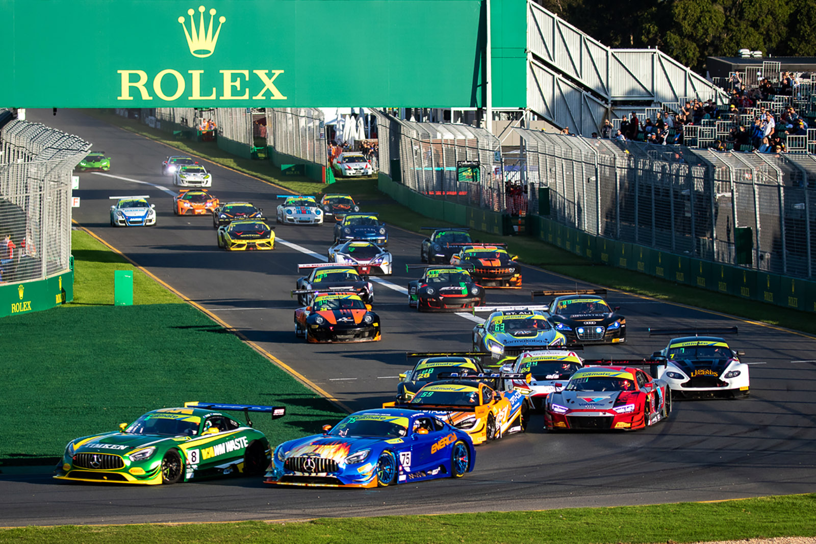 Twigg and Ross on top early at the Australian Grand Prix