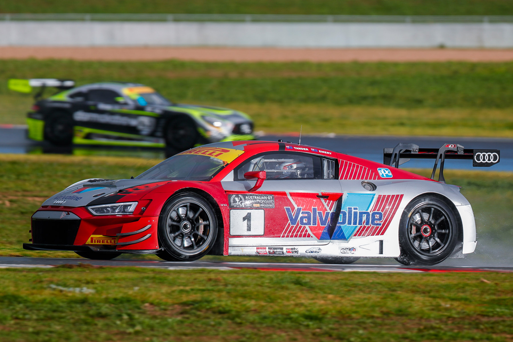 Emery on target for third Australian GT title at Sandown