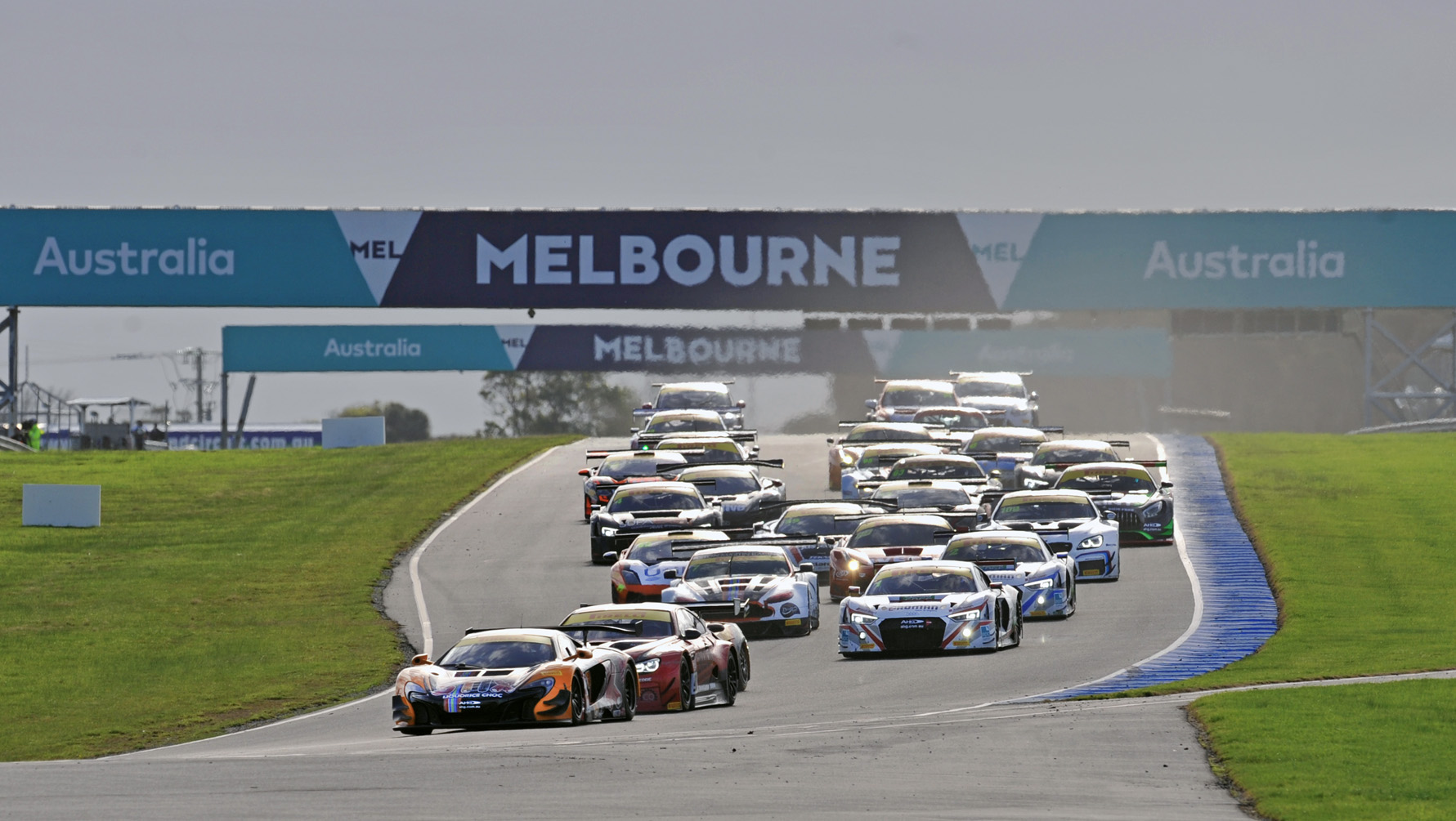 Strong grid set for Sydney Motorsport Park 101 epic