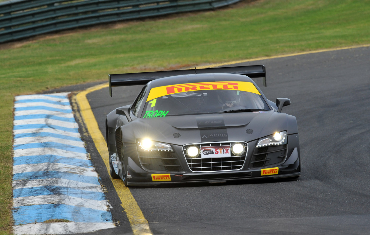 Porter/Rainsbury claim Sandown pole