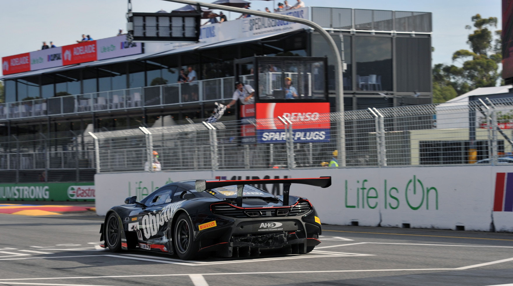 Walls claims first Australian GT victory