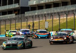 Hackett and Storey take the flag in Hampton Downs Qualifying Race